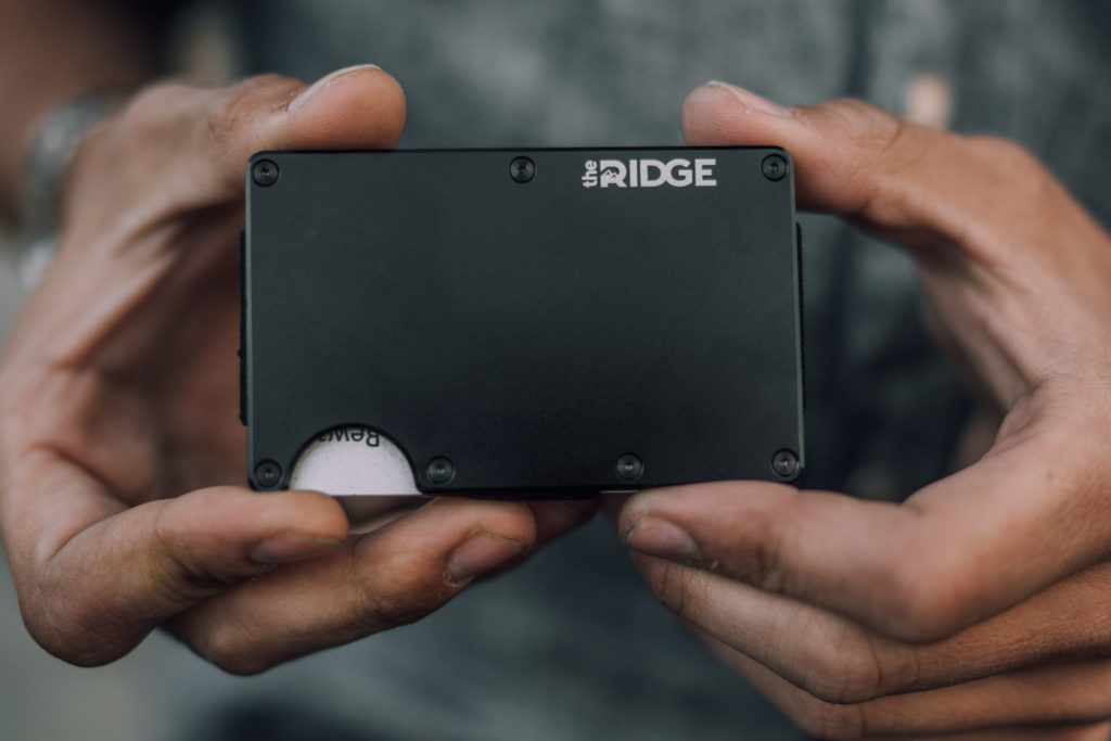 Ridge Wallet in Hand Black Aluminum