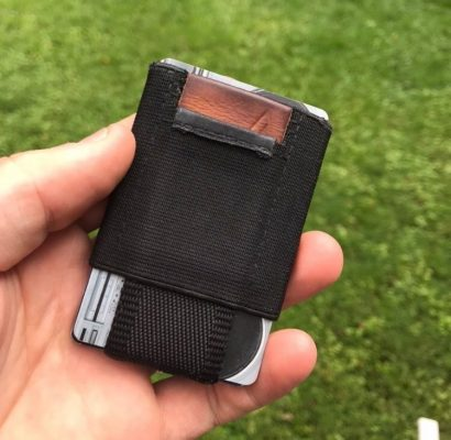 Nomatic Wallet Black Worn